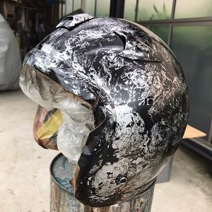 ヘルメット ラップ塗装